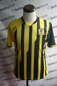 Picture of Perak Home Jersey 2012 Original Kika
